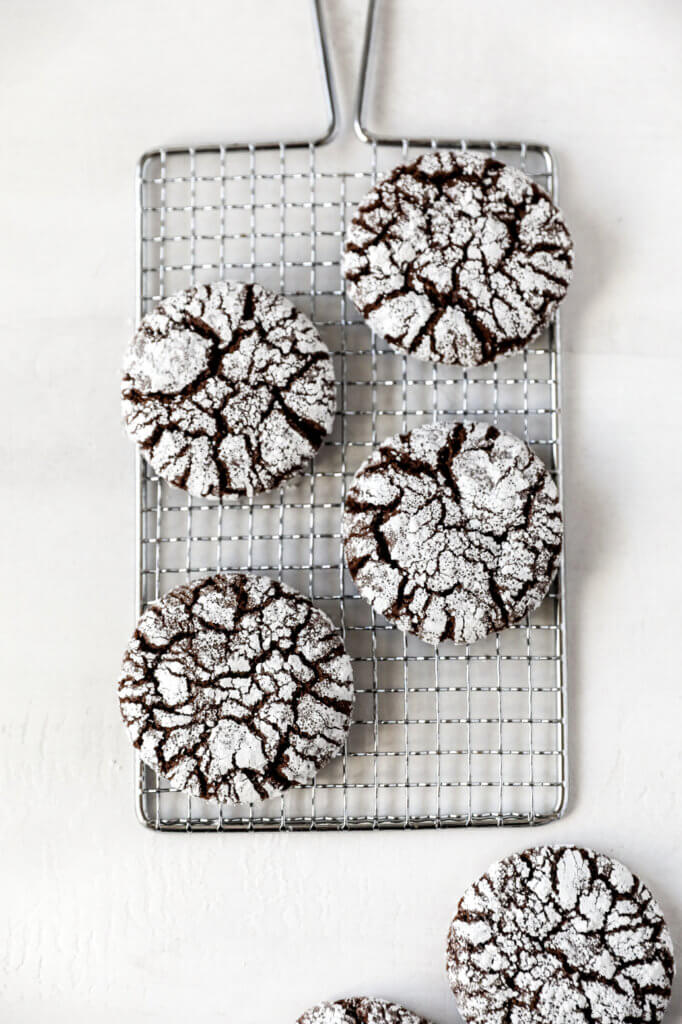 How to Make Gluten-free Chocolate Crinkle Cookies: Jessi's Kitchen